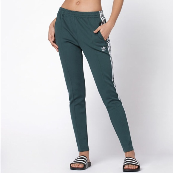adidas pantaloni originali adicolor superstar traccia poshmark